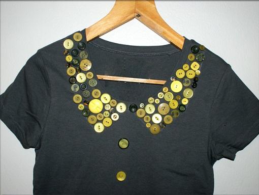 Cuello de la camiseta con botones