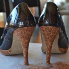 Decorar zapatos con glitter