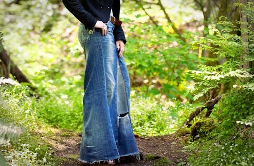 738ca064c8 Cómo hacer una falda vaquera con pantalones - Ropa DIY