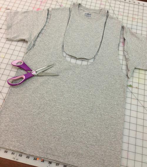 convertir-una-camiseta-en-bolso-1