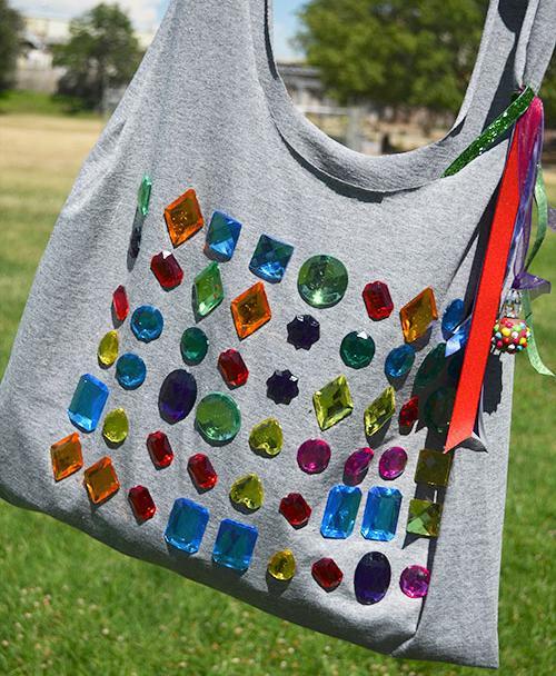 convertir-una-camiseta-en-bolso-4