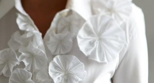 decorar blusa con flores