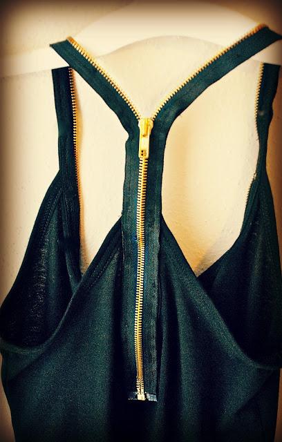 personalizar-camisetas-en-la-espalda-con-cremalleras-3