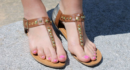 poner tachuelas en zapatos