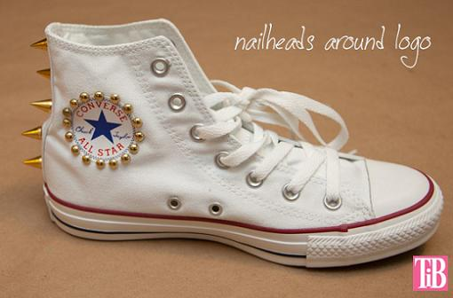 zapatillas-converse-diy-con-tachuelas-3