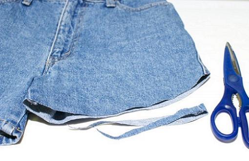 como-hacer-tus-propios-shorts-vaqueros-rotos-1