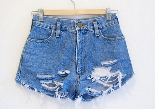 como hacer tus propios shorts vaqueros rotos